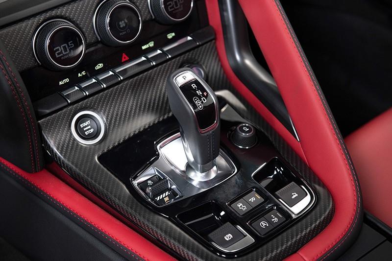 Đánh giá xe Jaguar F-Type 2022 giá từ 5,65 tỷ