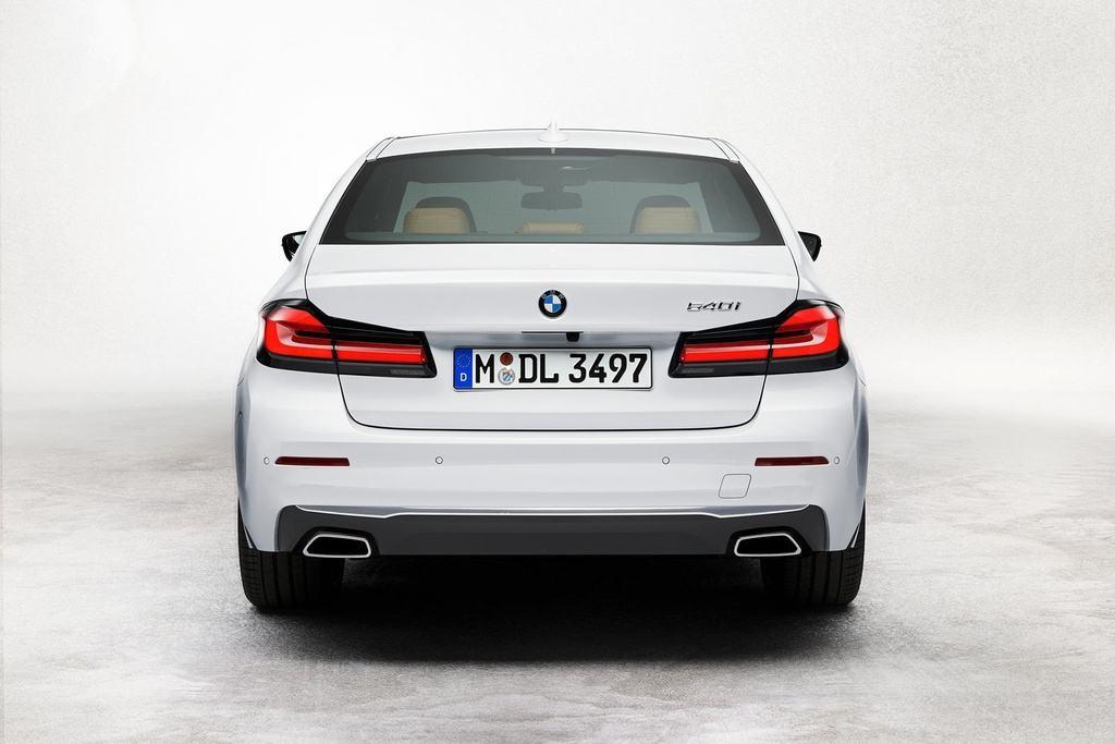 Đánh giá BMW 520i M Sport 2022 – Không quá khác biệt so với phiên bản BMW 520i Luxury Line tiêu chuẩn