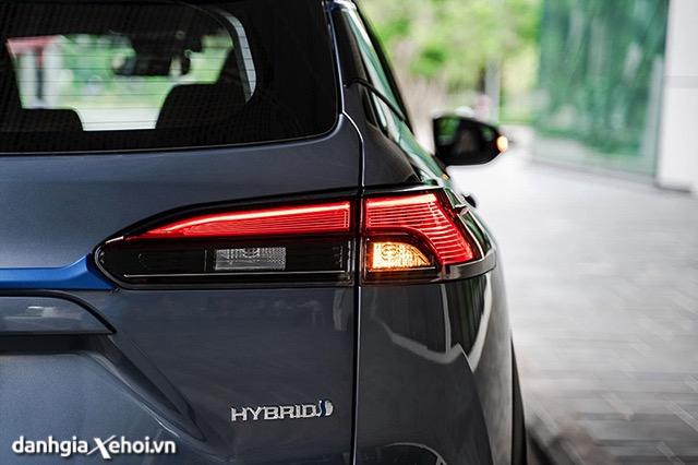 den-hau-toyota-corolla-cross-18hv-2021-hybrid-danhgiaxehoi-vn