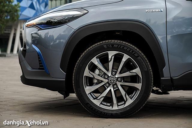 mam-xe-toyota-corolla-cross-18hv-2021-hybrid-danhgiaxehoi-vn