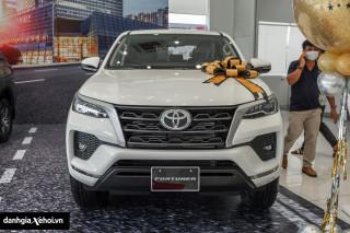 Chi tiết Toyota Fortuner 2.4 4x2 MT 2022 – Vẫn giữ được sự đơn giản vốn có