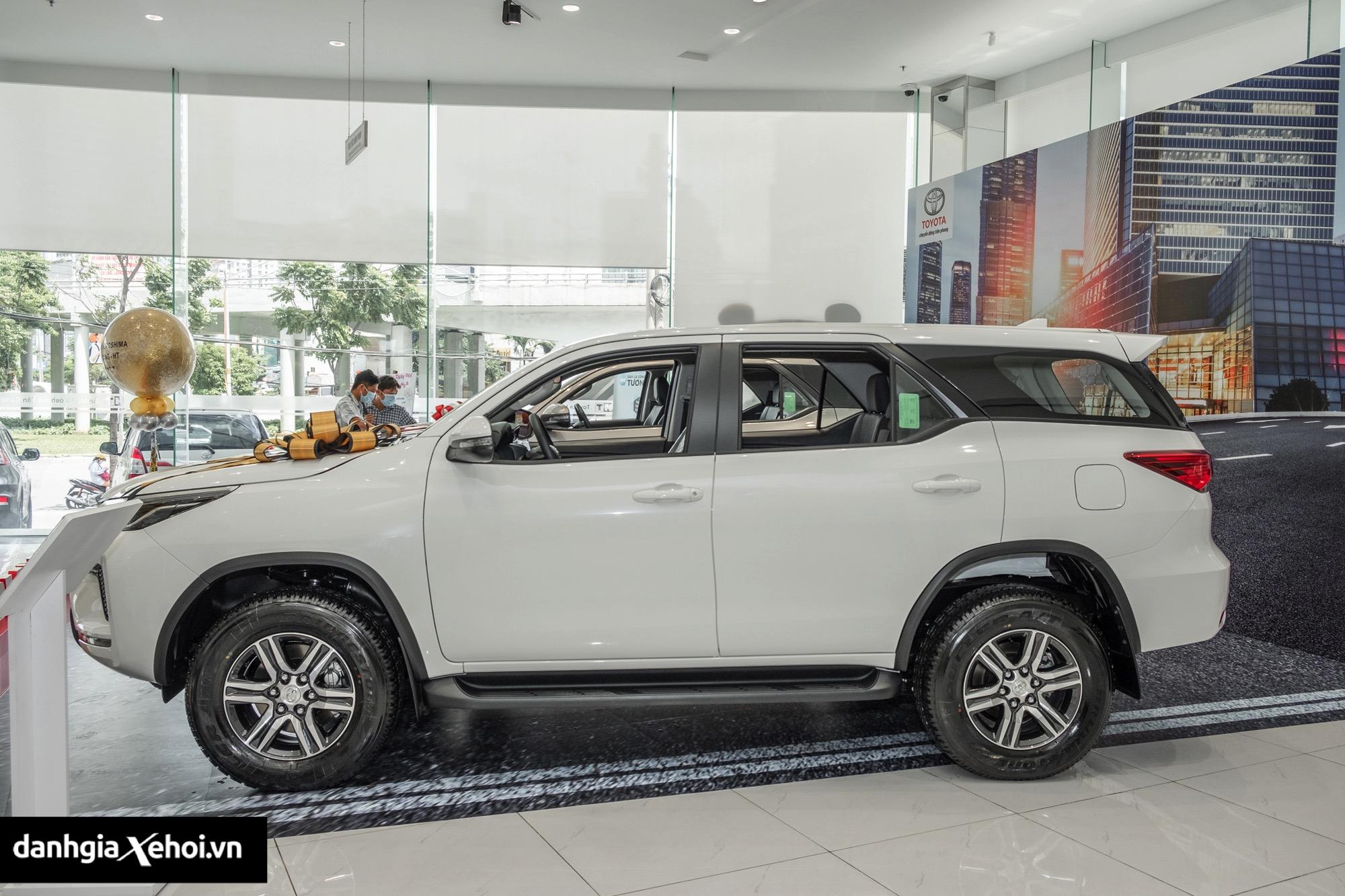 than-xe-toyota-fortuner-may-dau-so-san-2021-danhgiaxehoi-vn