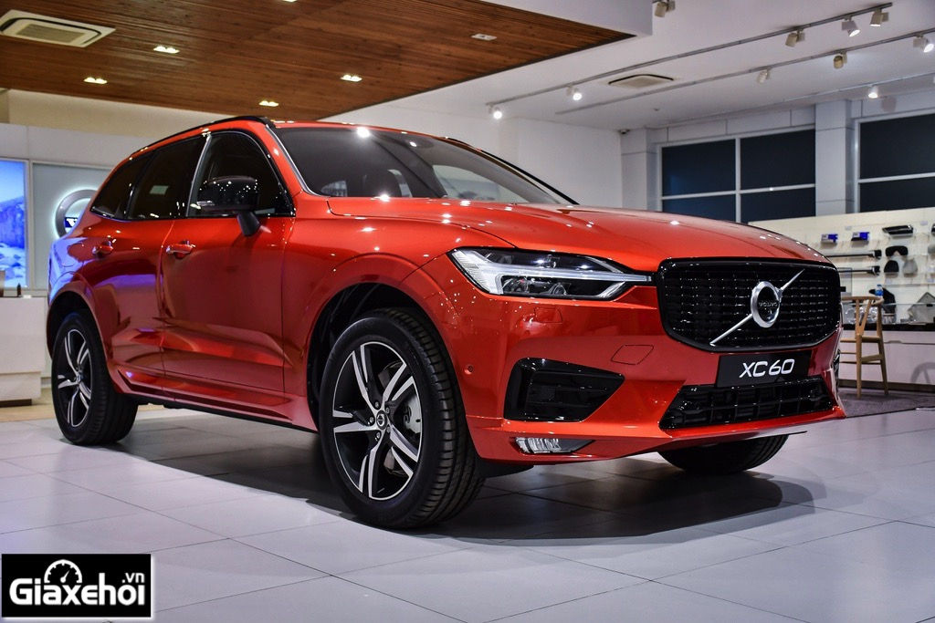 Danh-xe-Volvo-XC60-R-design-2021-Muaxegiatot-vn