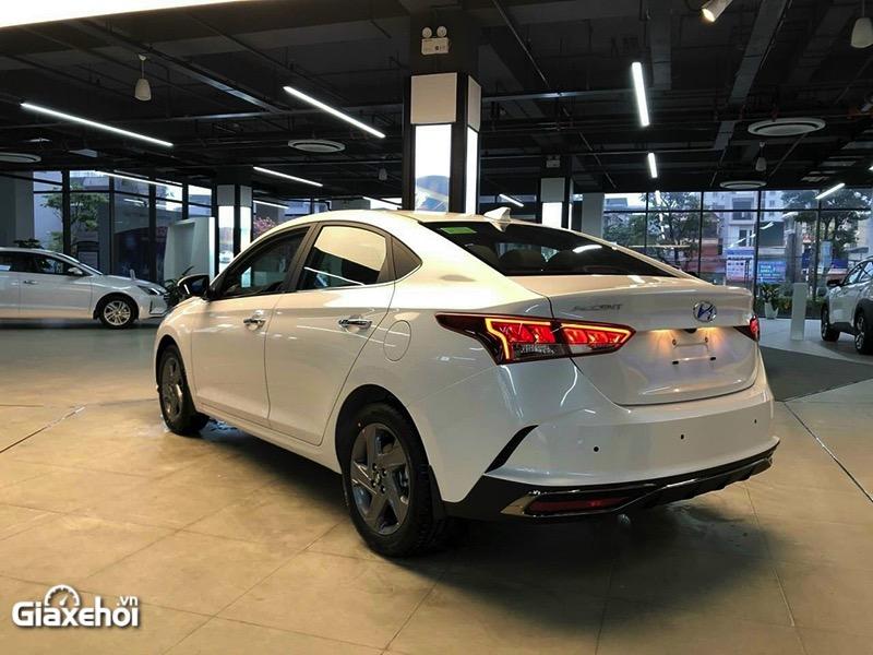 Trong tầm giá 500 triệu, nên mua Suzuki XL7 hay Hyundai Accent?