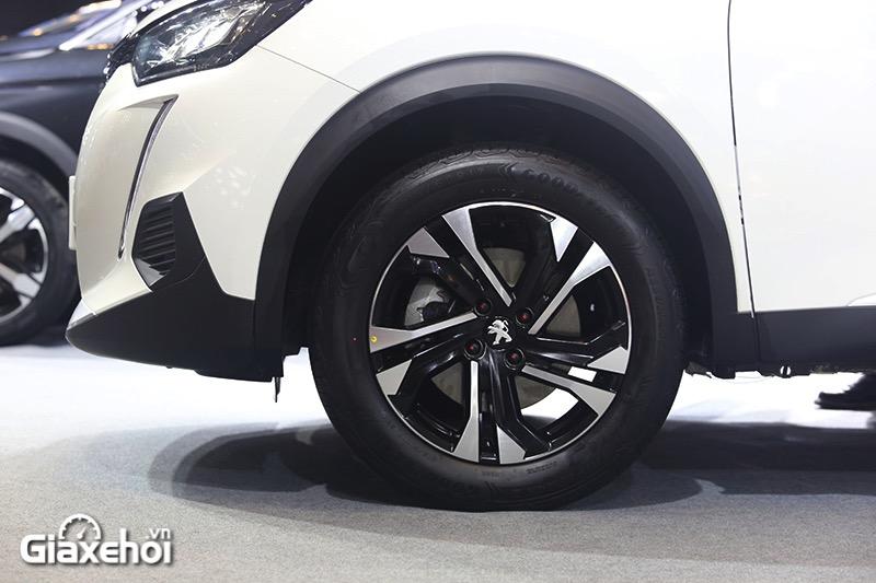 mam-xe-giong-nhau-ca-2-ban-xe-peugeot-2008-2021-gt-line-giaxehoi-vn