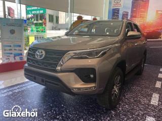 Chi tiết xe Toyota Fortuner 2.4AT 2022 – Không mấy nổi bật