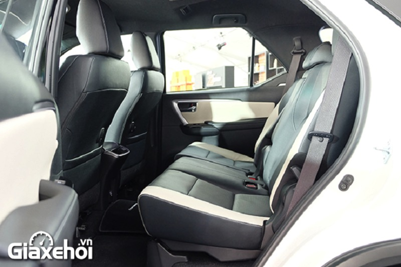 ghe-sau-toyota-fortuner-legender-2-4at-2021-giaxehoi-vn