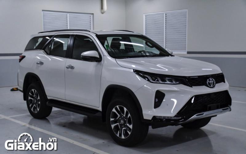Chi tiết xe Toyota Fortuner Legender 2.4AT 2022 – Màn thay máu ấn tượng