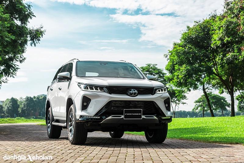 Chi tiết xe Toyota Fortuner Legender 2.8L 2022 – Thiết kế hiện đại hơn, nâng cao khả năng Offroad.