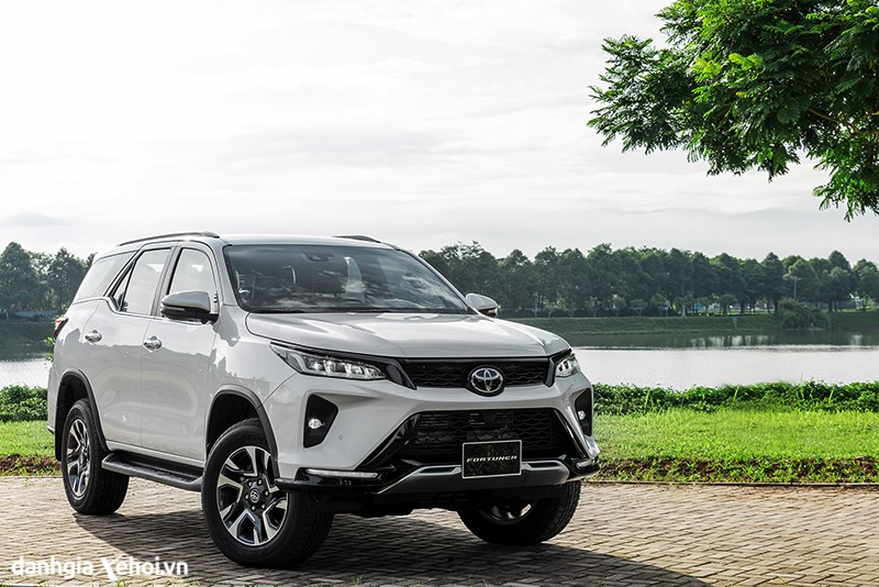 gia-xe-toyota-fortuner-28-legender-2021-danhgiaxehoi-vn