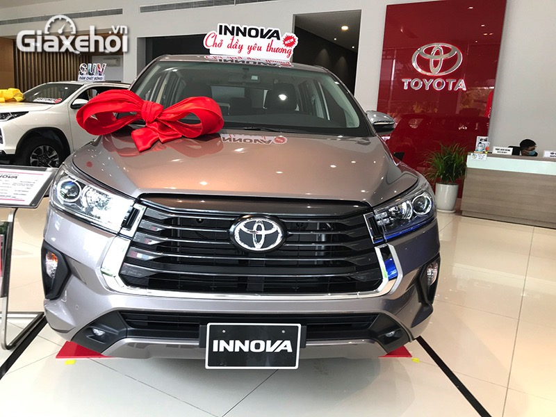 Dau-xe-Toyota-Innova-2.0G-2021-Giaxehoi-vn.jpg