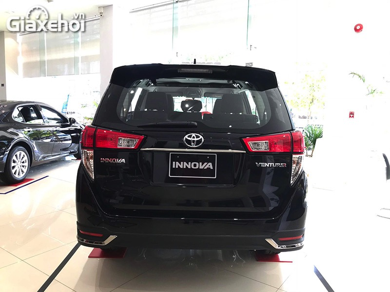 Can-sau-xe-Toyota-Innova-Venturer-2021-Giaxehoi-vn.jpg