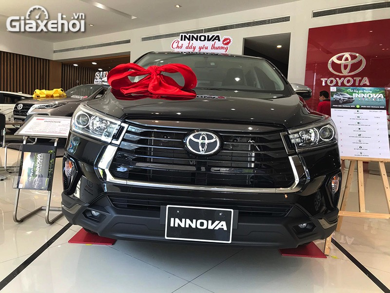 Can-truoc-xe-Toyota-Innova-Venturer-2021-Giaxehoi-vn.jpg