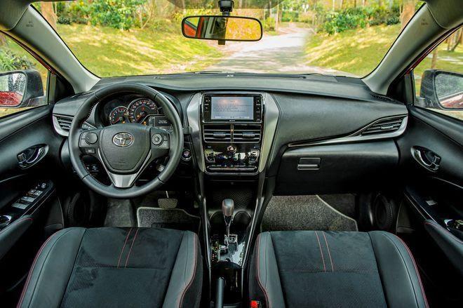 nội thất Toyota Vios GR-S 2022