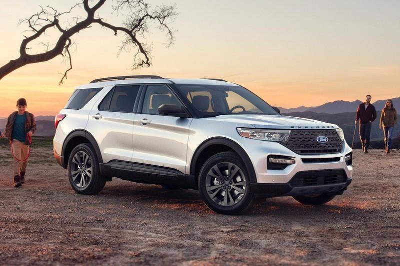 gia-xe-ford-explorer-2021-danhgiaxehoi-vn