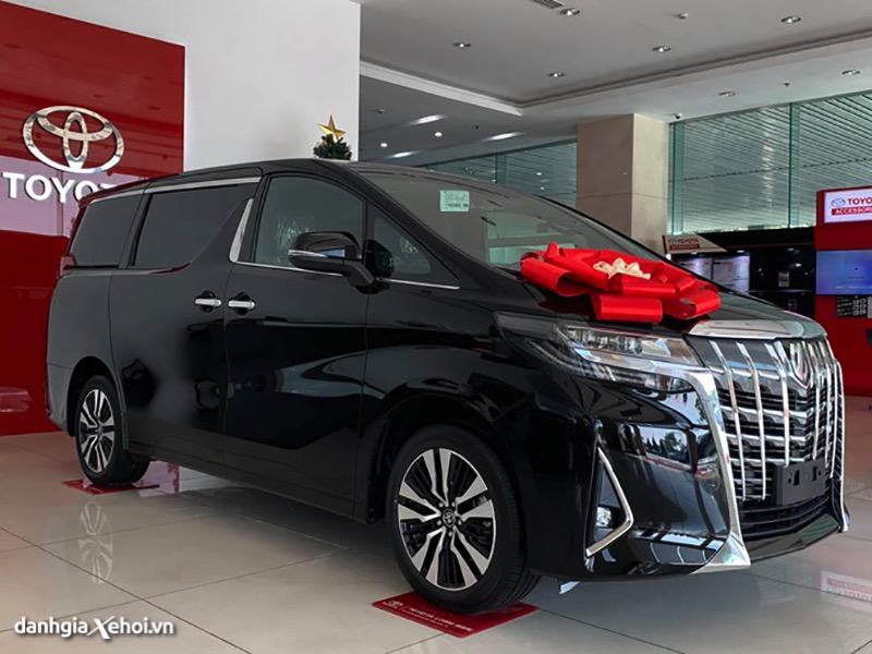 gia-xe-toyota-alphard-2021-danhgiaxehoi-vn