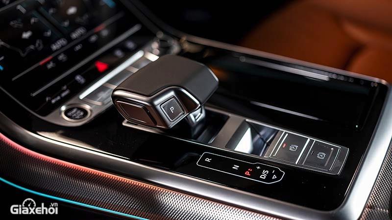 Bang-dieu-khien-can-so-xe-Audi-Q8-2021-TFSI-55-quattro-Giaxehoi-vn-1