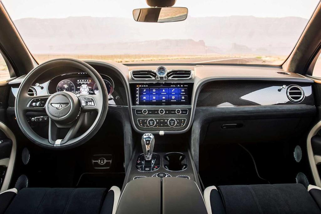 Noi-that-xe-Bentley-Bentayga-Speed-2021-Xetot-com-blog