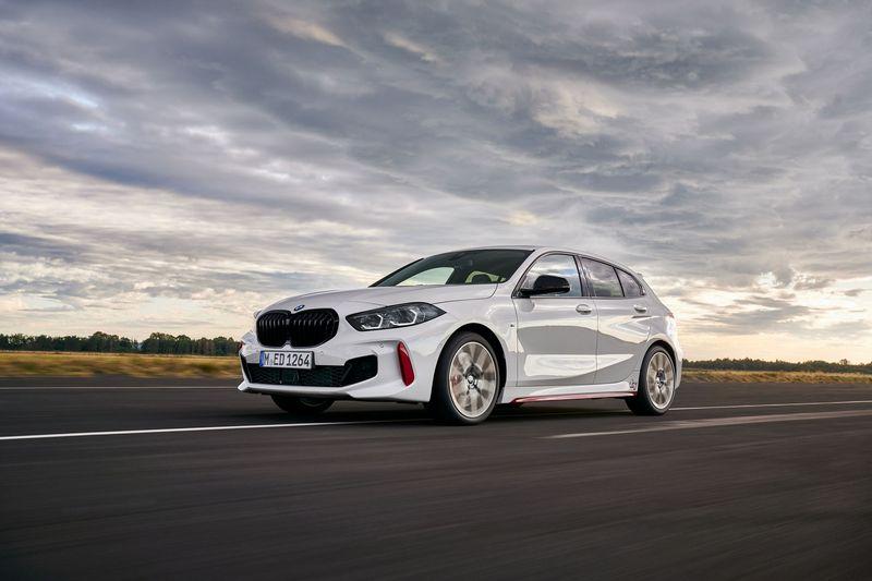 Suc-manh-xe-BMW-128ti-2021-danhgiaxehoi-vn