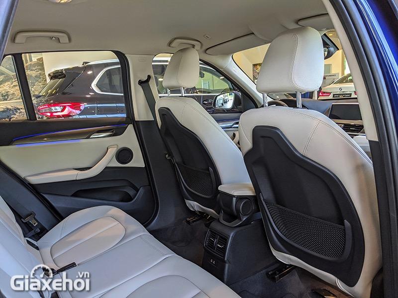 Hang-ghe-sau-xe-BMW-X1-sDrive18i-xLine-LCi-2021-Giaxehoi-vn-10