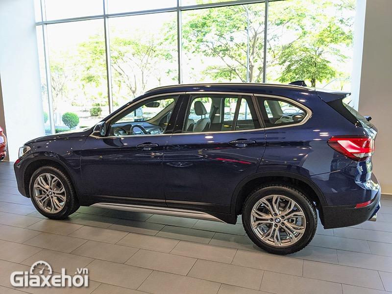 Hong-xe-BMW-X1-sDrive18i-xLine-LCi-2021-Giaxehoi-vn-14