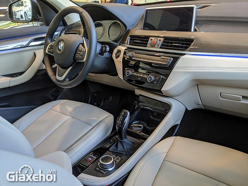 Khong-lai-xe-BMW-X1-sDrive18i-xLine-LCi-2021-Giaxehoi-vn-11