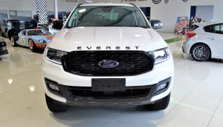 Đánh giá xe Ford Everest Sport 2022: Mẫu SUV 7 chỗ thể thao, sang trọng và mạnh mẽ