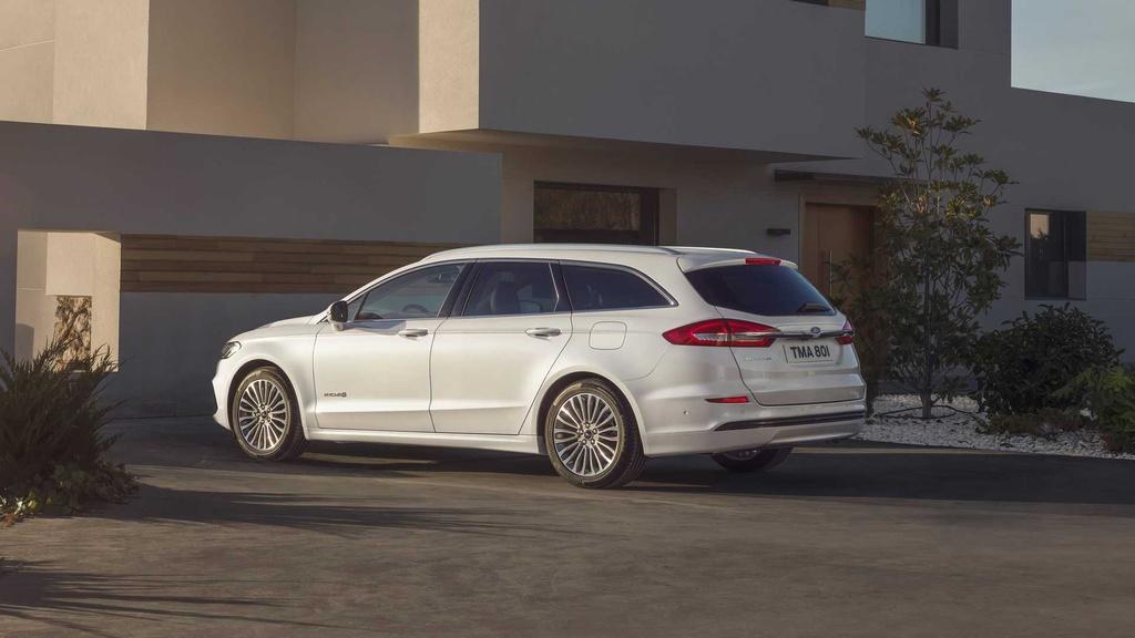 than-xe-ford-mondeo-2021-danhgiaxehoi-vn-1