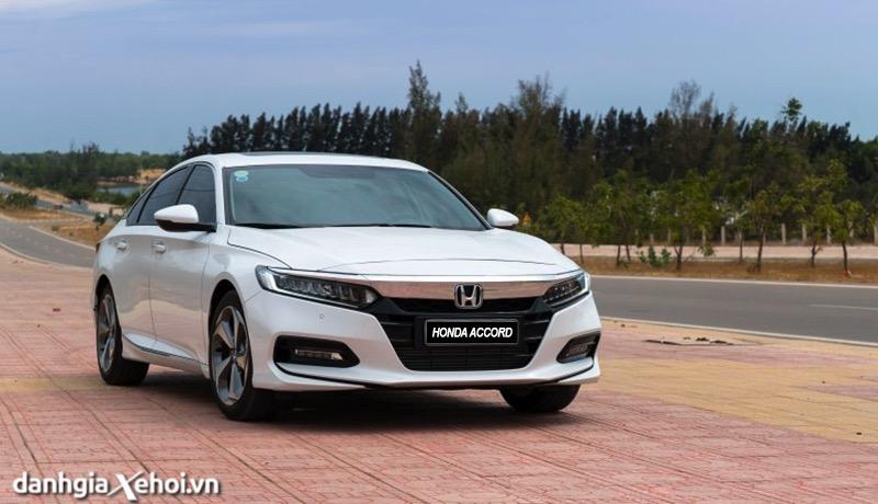 Đánh giá xe Honda Accord 2022 - Có thể soán ngôi Toyota Camry hay không?