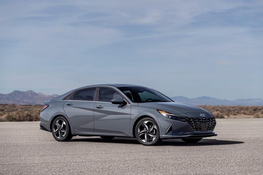 Đánh giá xe Hyundai Elantra 2022 – Lột xác hoàn toàn, tự tin đạp đổ Mazda 3