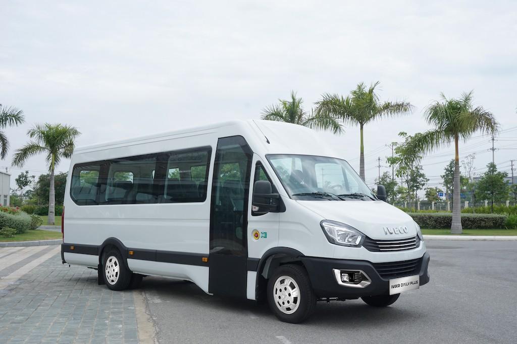 dau-xe-minibus-iveco-daily-2021-danhgiaxehoi-vn