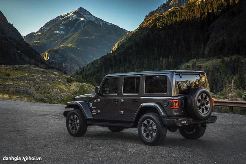 duoi-xe-jeep-wrangler-2021-danhgiaxehoi-vn.jpg