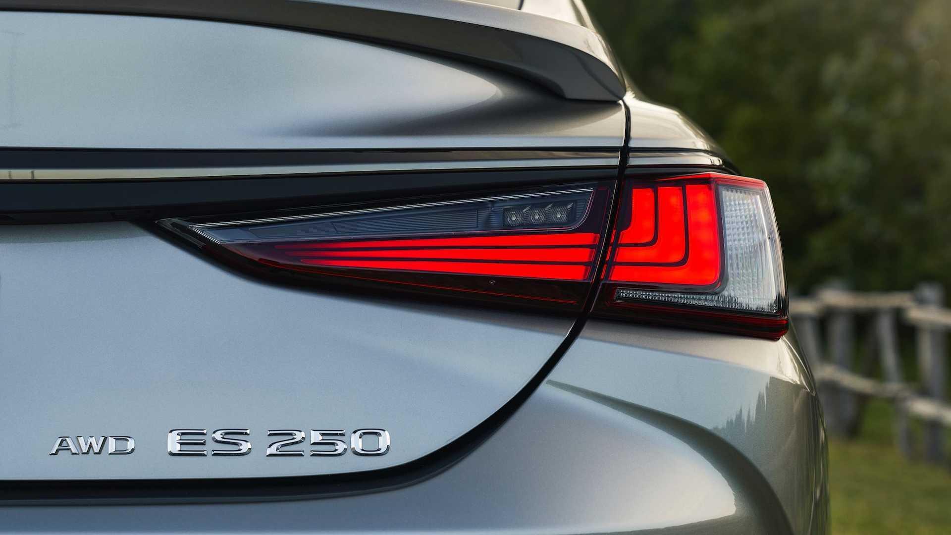 danh-gia-xe-lexus-es-250-2021-giaxehoi-vn-8