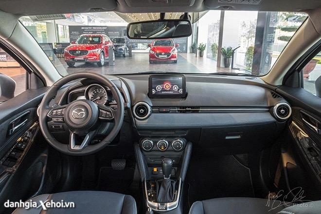 khoang-noi-that-mazda-2-2021-sedan-muaxegiatot-vn