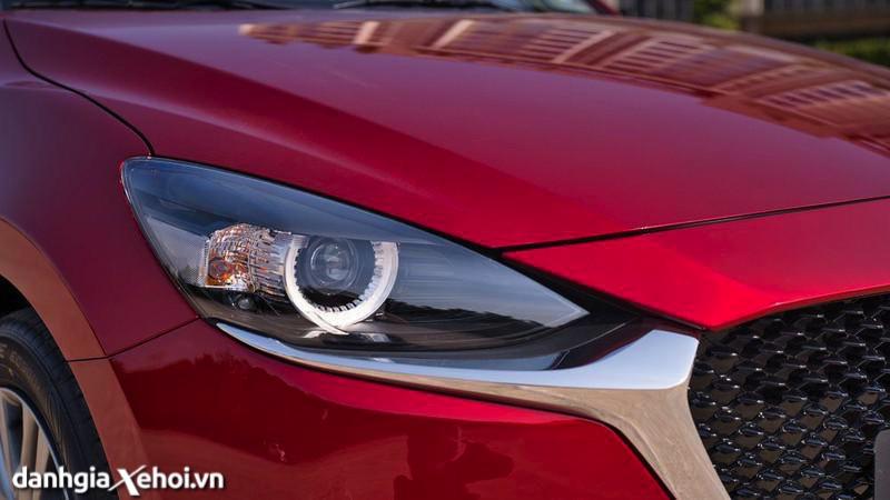 den-xe-Mazda-2-sport-hatchback-2021-danhgiaxehoi-vn