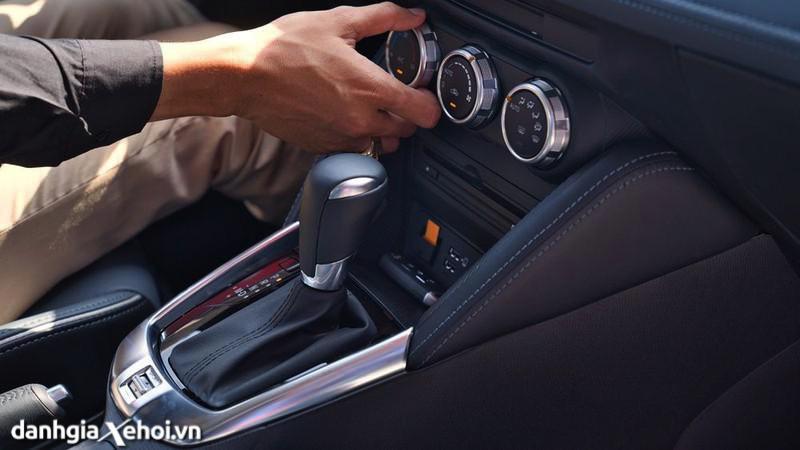 dieu-hoa-Mazda-2-sport-hatchback-2021-danhgiaxehoi-vn