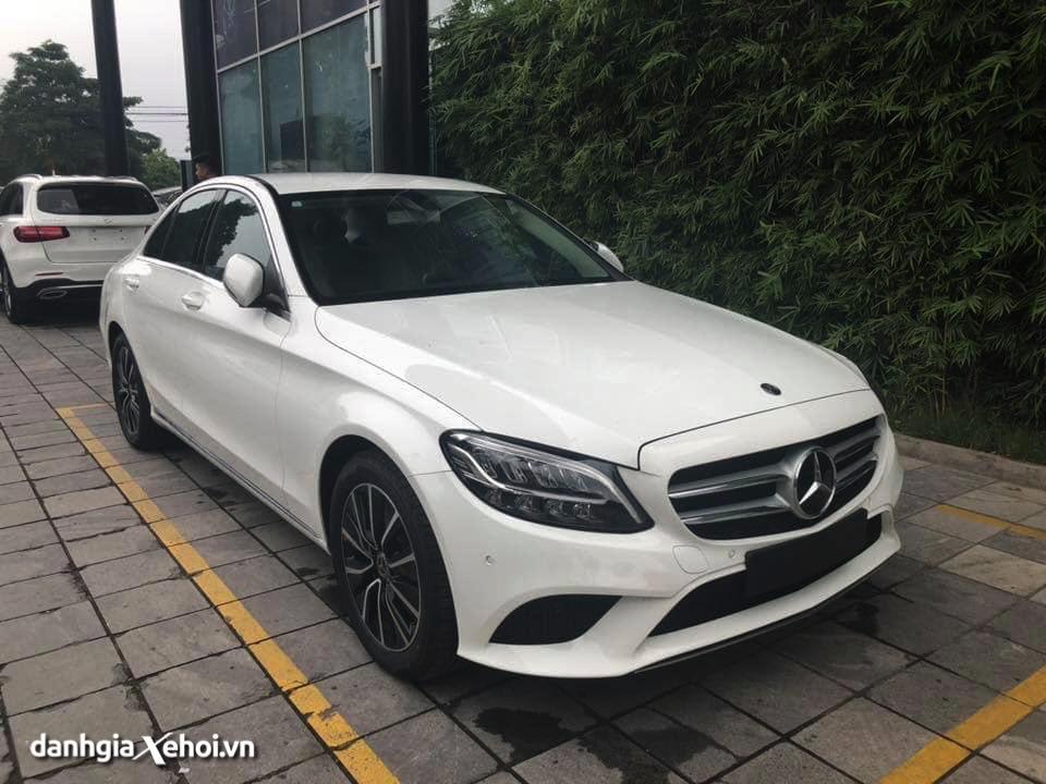 thiet-ke-xe-mercedes-benz-c200-sedan-2021-danhgiaxehoi-vn