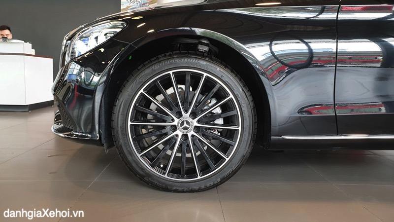 mam-xe-mercedes-c200-exclusive-2021-danhgiaxehoi-vn
