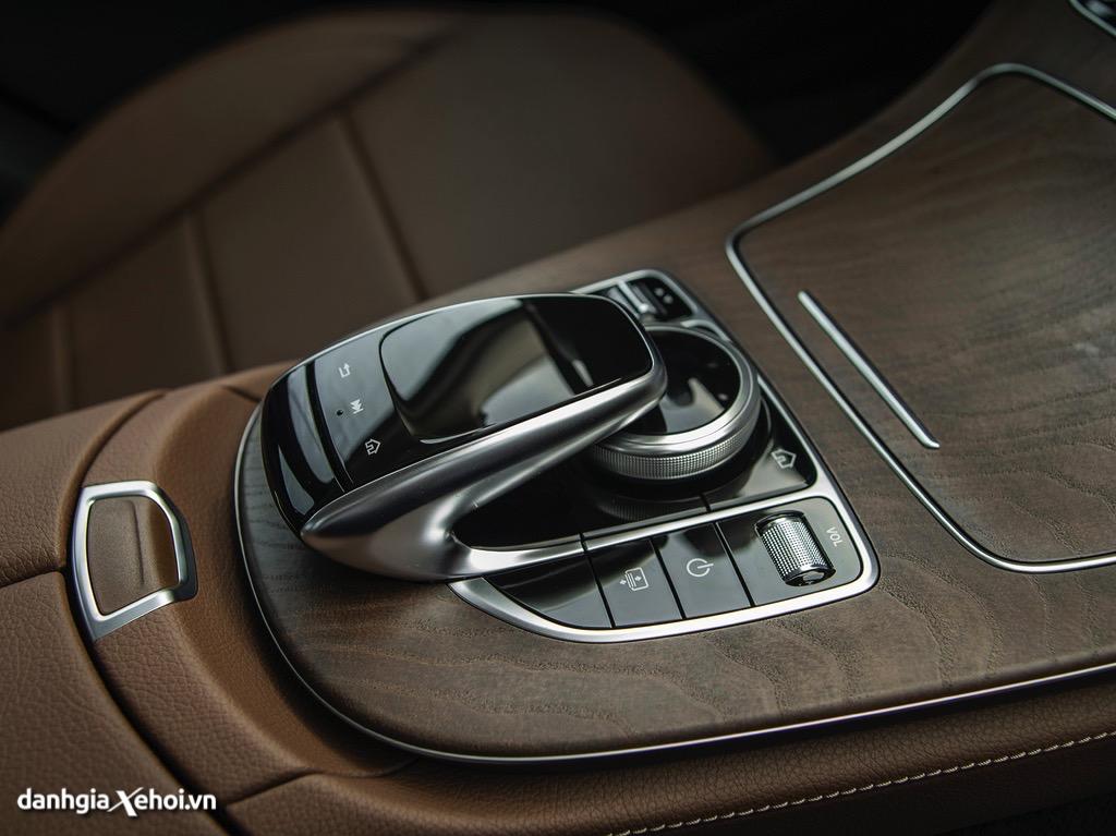 Dieu-khien-trung-tam-Mercedes-E200-Exclusive-2021-danhgiaxehoi-vn