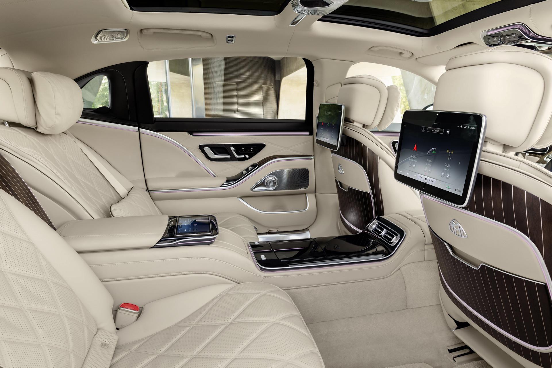 Hang-ghe-phia-sau-xe-Mercedes-Maybach-S-Class-2021-giaxehoi-vn