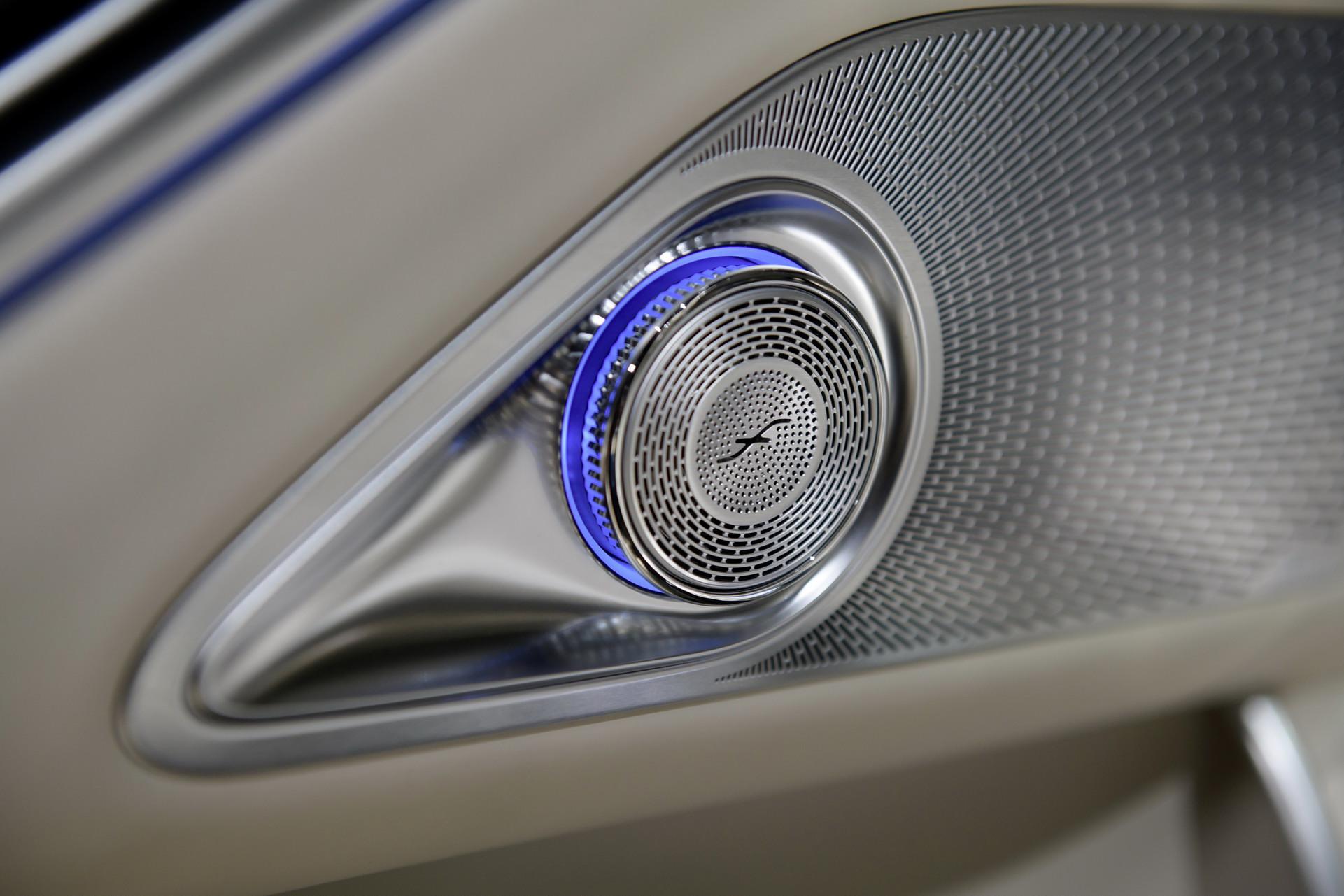 Loa-chat-luong-cao-xe-Mercedes-Maybach-S-Class-2021-giaxehoi-vn
