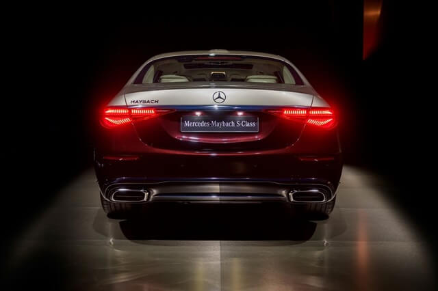 Mercedes-Maybach-S580-4Matic-2021-duoi-xe-giaxehoi-vn