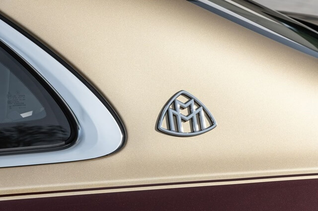 Mercedes-Maybach-S580-4Matic-2021-logo-maybach-giaxehoi-vn