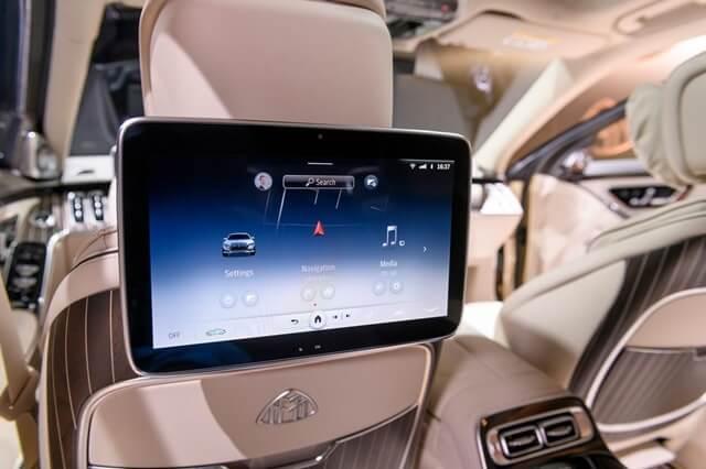Mercedes-Maybach-S580-4Matic-2021-man-hinh-ghe-sau-giaxehoi-vn