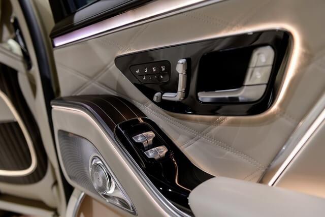 Mercedes-Maybach-S580-4Matic-2021-tay-nam-cua-giaxehoi-vn