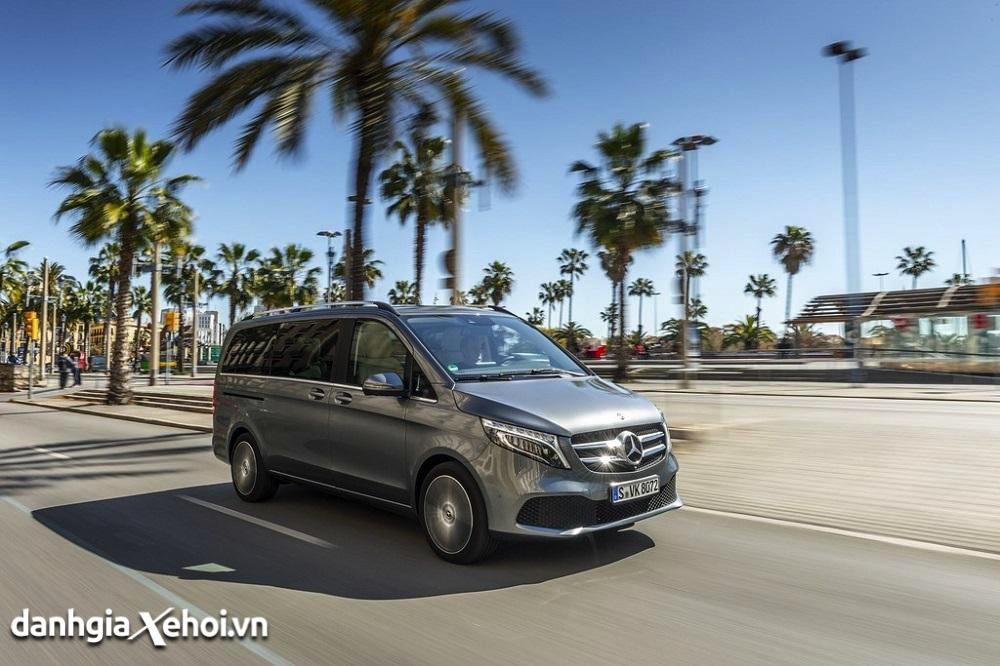 van-hanh-xe-mercedes-v250-amg-2021-danhgiaxehoi-vn-1