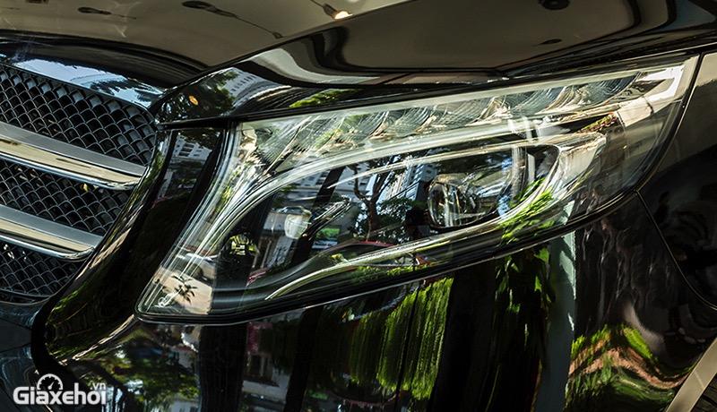 den-xe-mercedes-benz-v250-luxury-2021-giaxehoi-vn.jpg