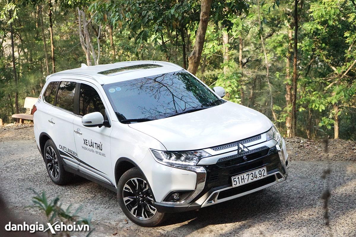 Đánh giá Mitsubishi Outlander 2022 – chọn Outlander hay Honda CR-V, Mazda CX-5?