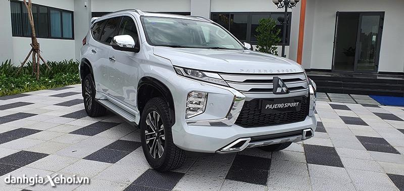 Đánh giá Mitsubishi Pajero Sport 2022 – đối đầu với Toyota Fortuner, Hyundai SantaFe
