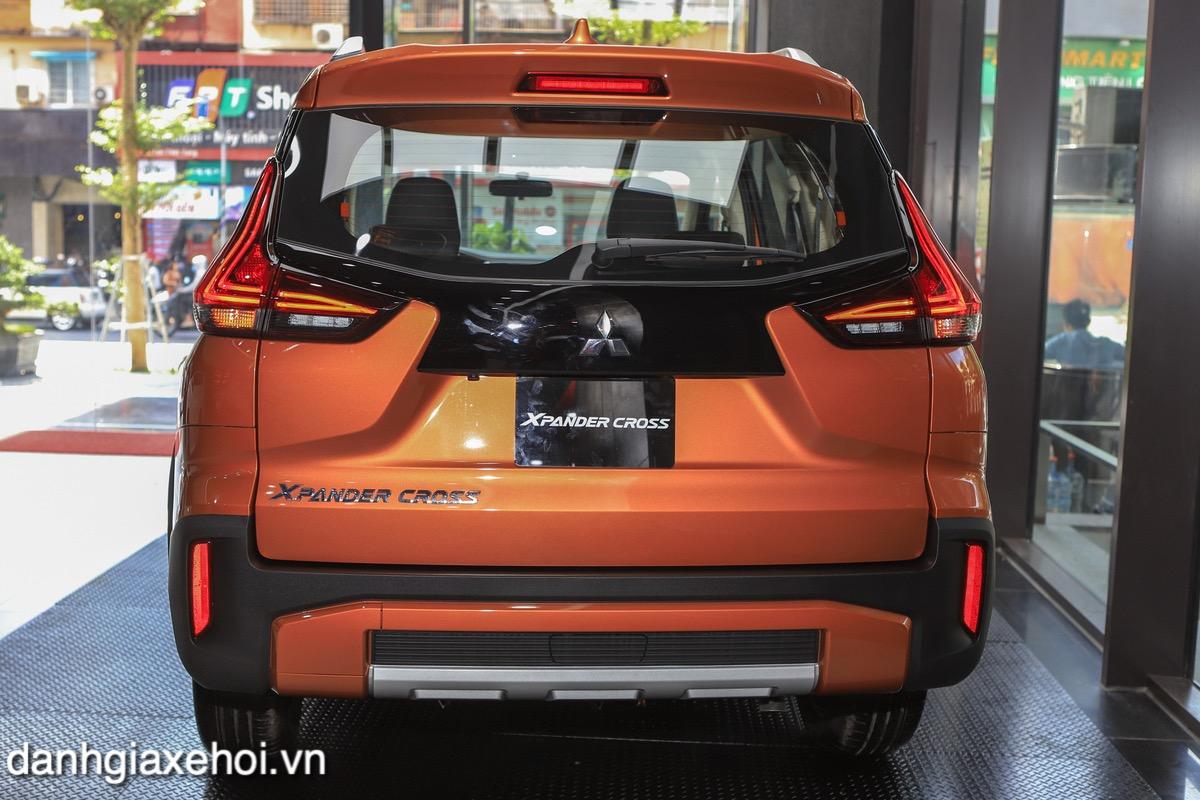 duoi-xe-mitsubishi-xpander-cross-2021-danhgiaxehoi-vn